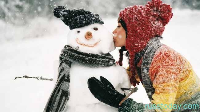 снеговик и поцелуй
