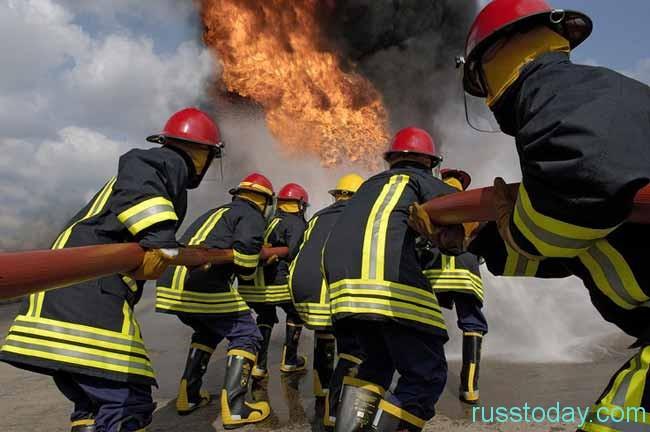 пожарники на тушении
