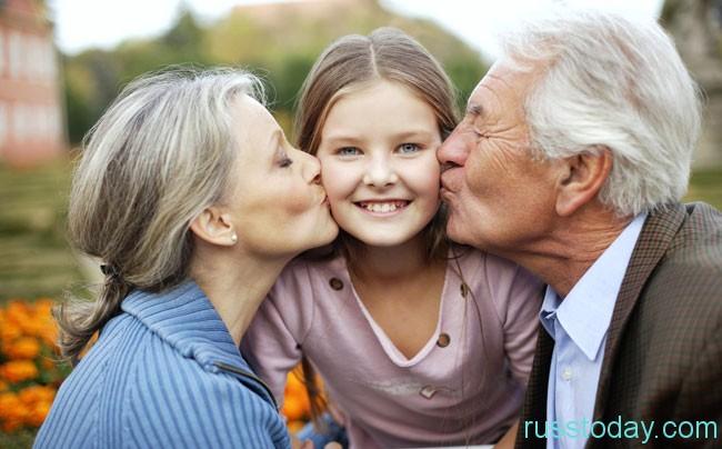 с бабушкой и дедушкой