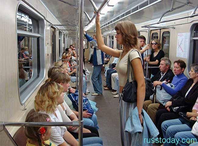 Ряды пассажиров редеют…