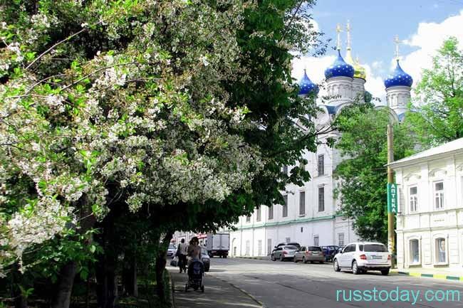 попробовать самим спрогнозировать, когда в Нижнем Новгороде наступит тепло