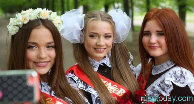 красавицы-выпускницы