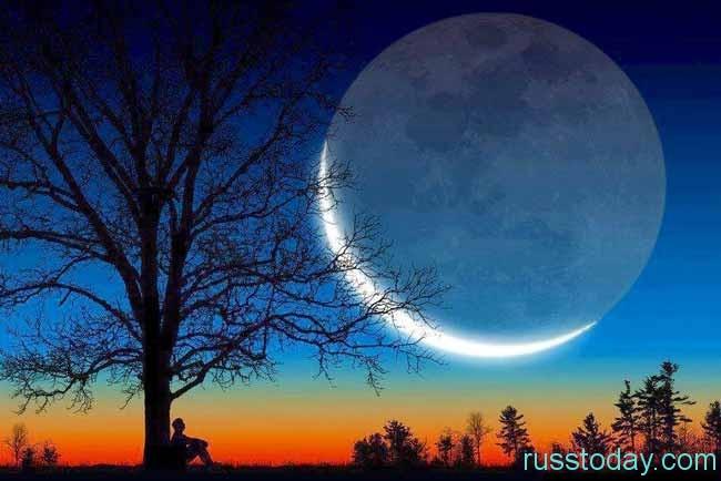 человек под луной