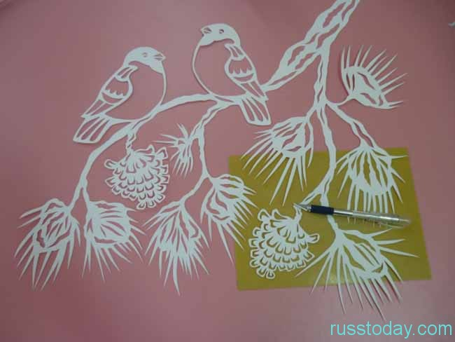 Вытынанками называются фигуры, созданные из бумаги либо более плотного материала