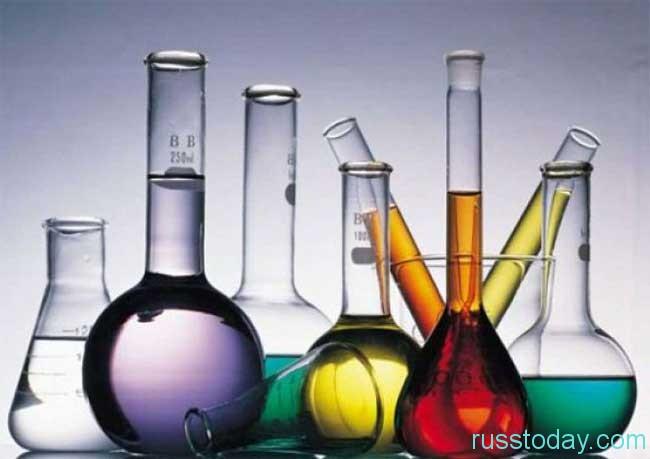 С профессиональным праздником можно поздравить всех химиков