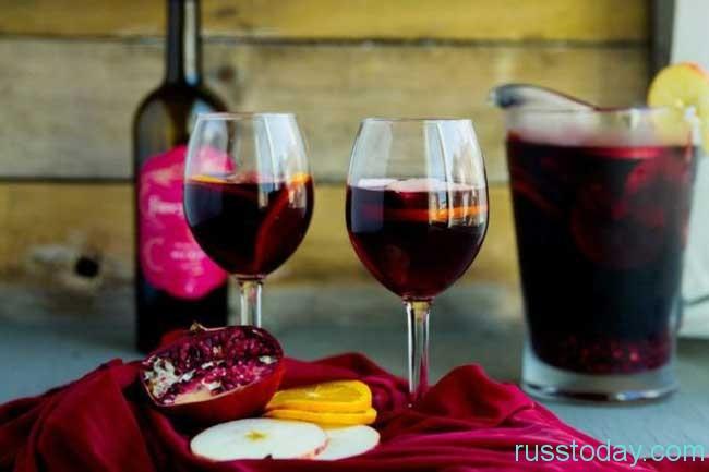 выпить пару бокалов священного Кагора