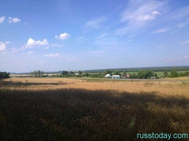 белорусские просторы с пасмурным небом