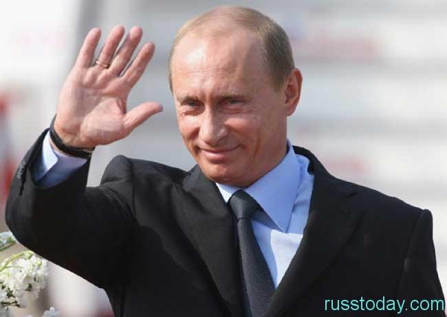 Путин держит всю страну буквально в «железных рукавицах»